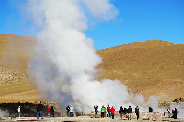 white and green san pedro de atacama tour geysers del tatio